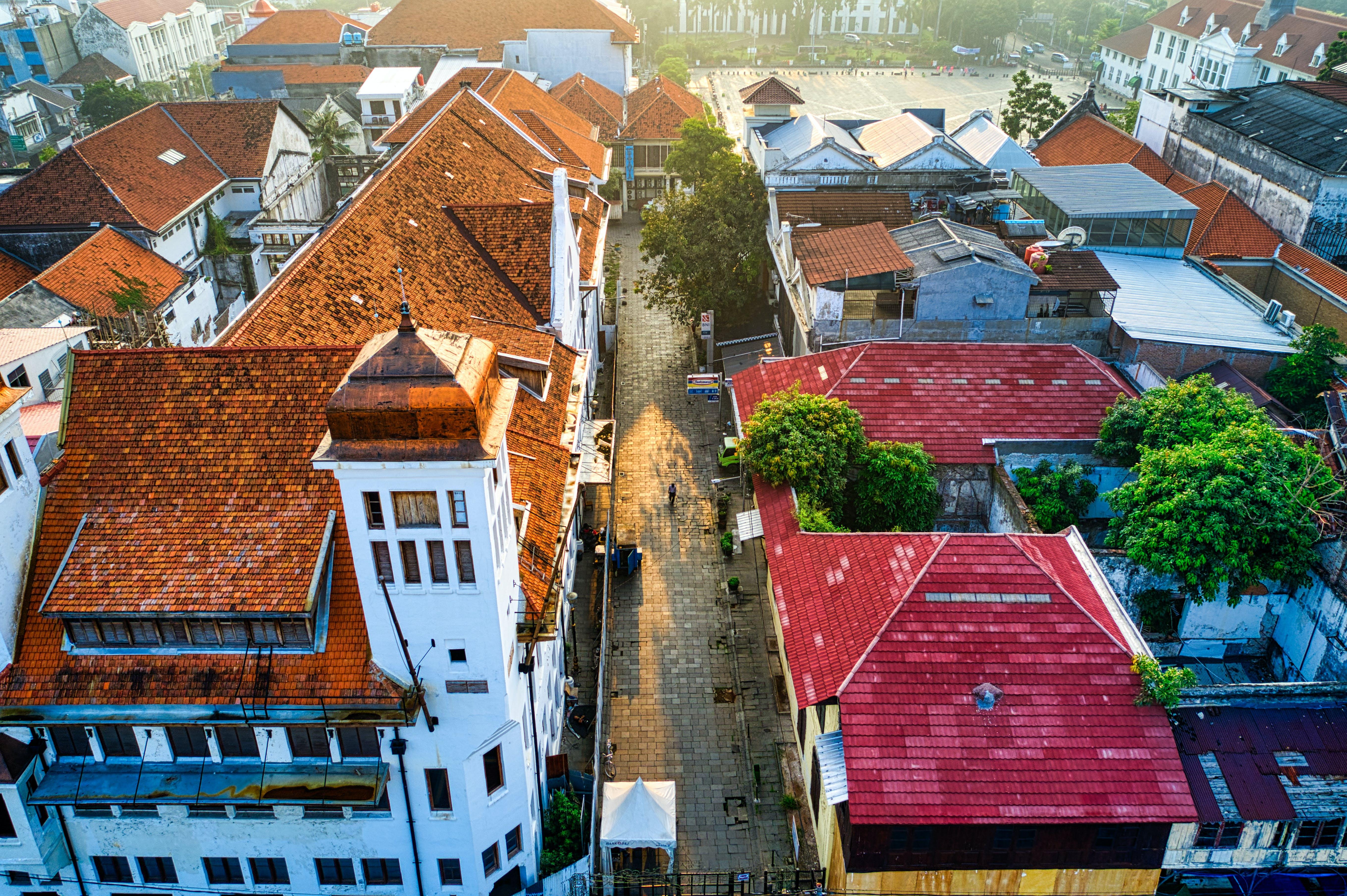 거리, 건물, 건물 외관, 건축의 무료 스톡 사진