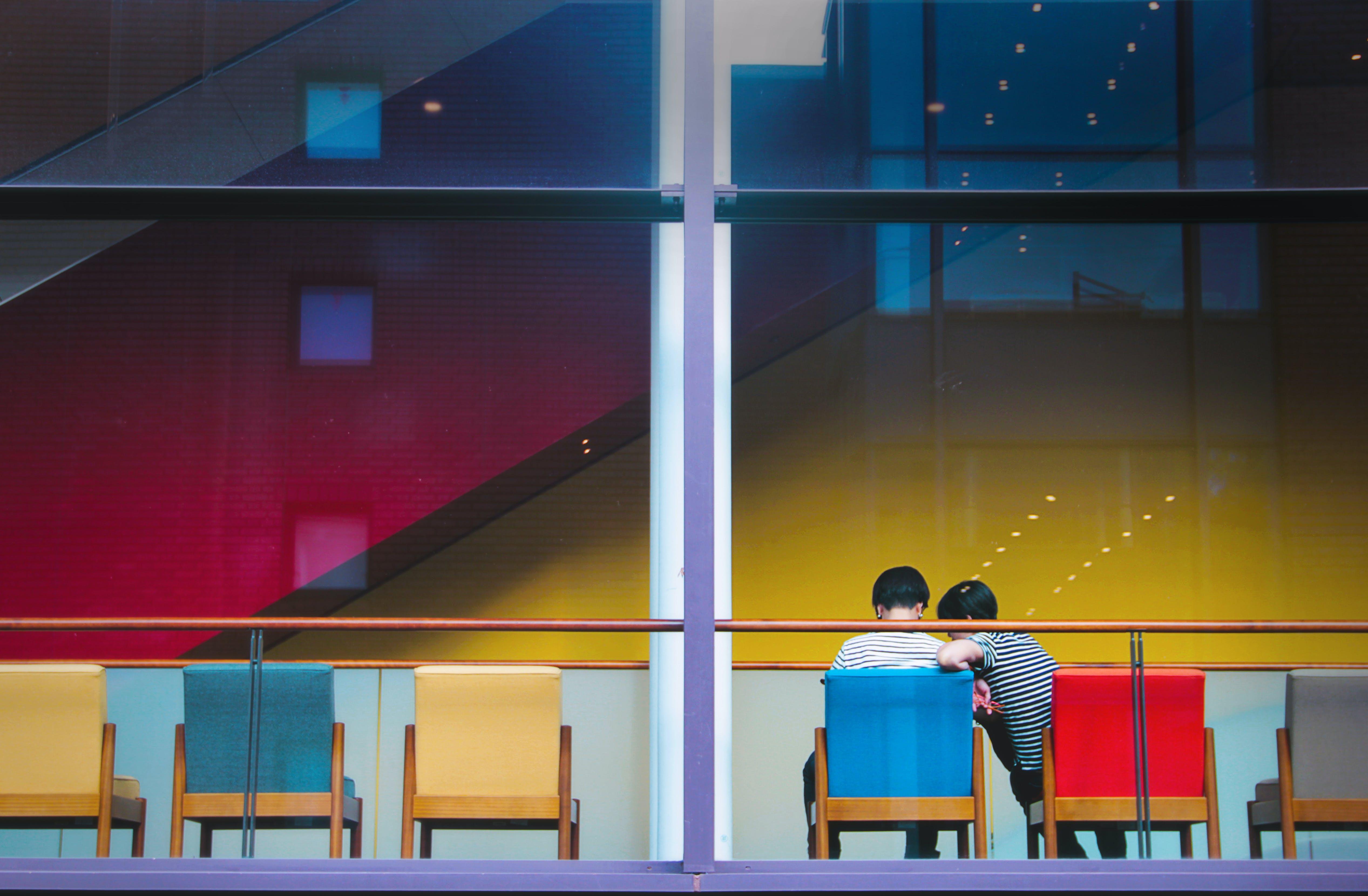 Foto d'estoc gratuïta de arquitectura, articles de vidre, assegut, brillant