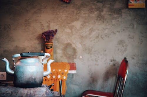 Fotobanka sbezplatnými fotkami na tému dom, izba, kanvica na vodu, kontajner