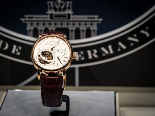 Základová fotografie zdarma na téma analogové hodiny, drahý, exkluzivní hodinky, hodinky
