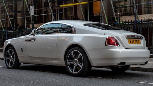Základová fotografie zdarma na téma bílý vůz, drahý, kupé, luxusní