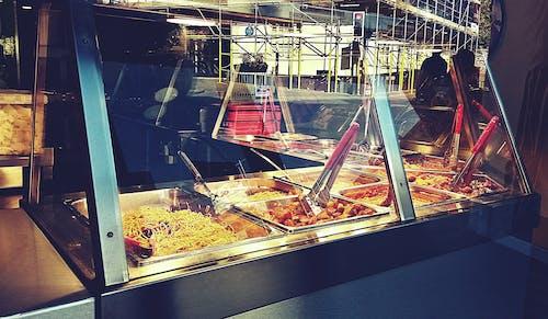Darmowe zdjęcie z galerii z bar z makaronem, jedzenie, jedzenie na mieście, makaron