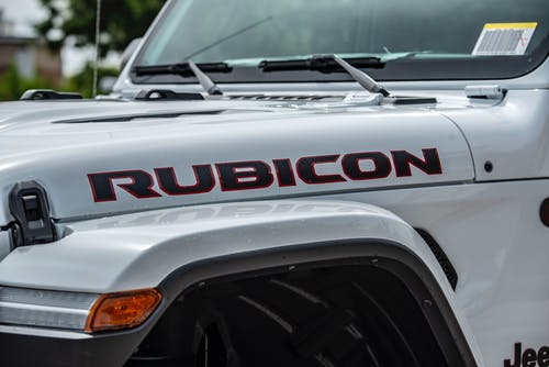 White Jeep Wrangler Rubicon Suv