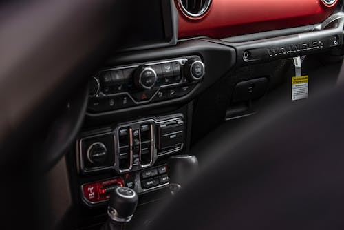Black 1-din Vehicle Stereo