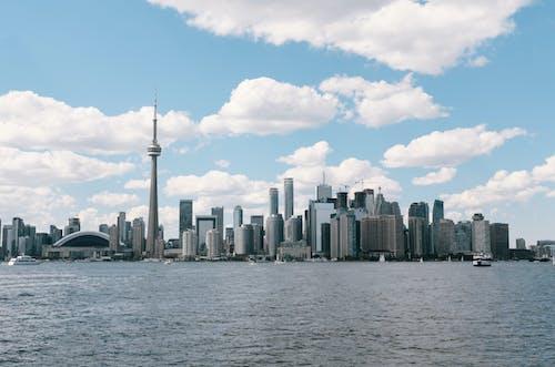 Fotobanka sbezplatnými fotkami na tému CN Tower, loď, panoráma mesta, Toronto