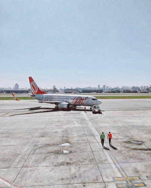 Foto stok gratis angkutan, awan, Bandara, jet
