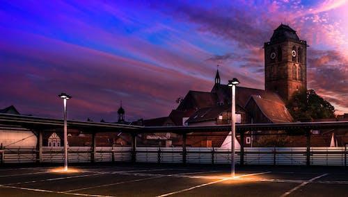 Kostenloses Stock Foto zu autoparkplatz, sunset