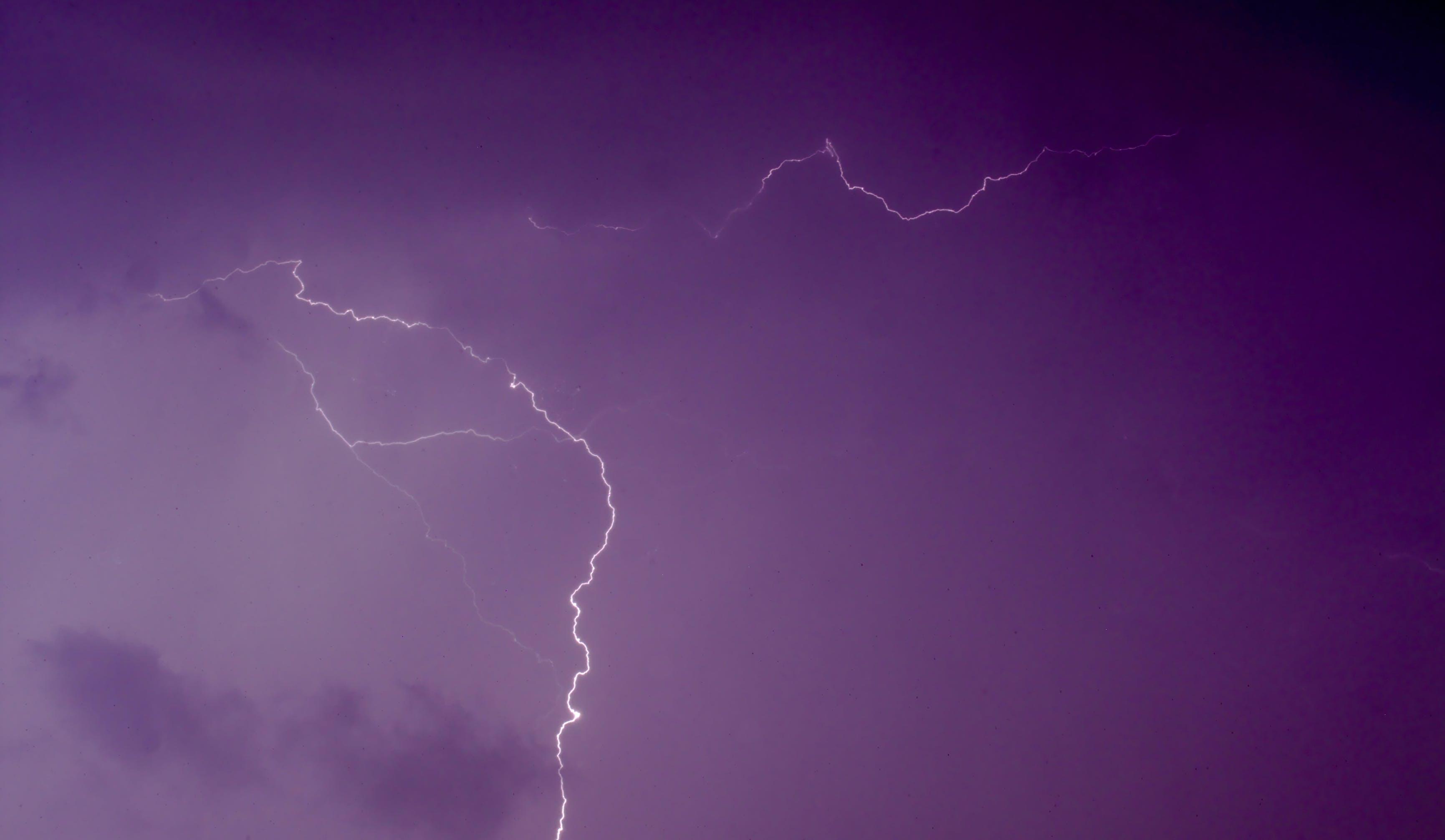 Foto d'estoc gratuïta de fosc, núvol, núvols, paracaigudisme