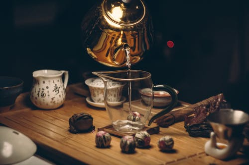 Darmowe zdjęcie z galerii z ciemny, czajniczek, drewno, drink