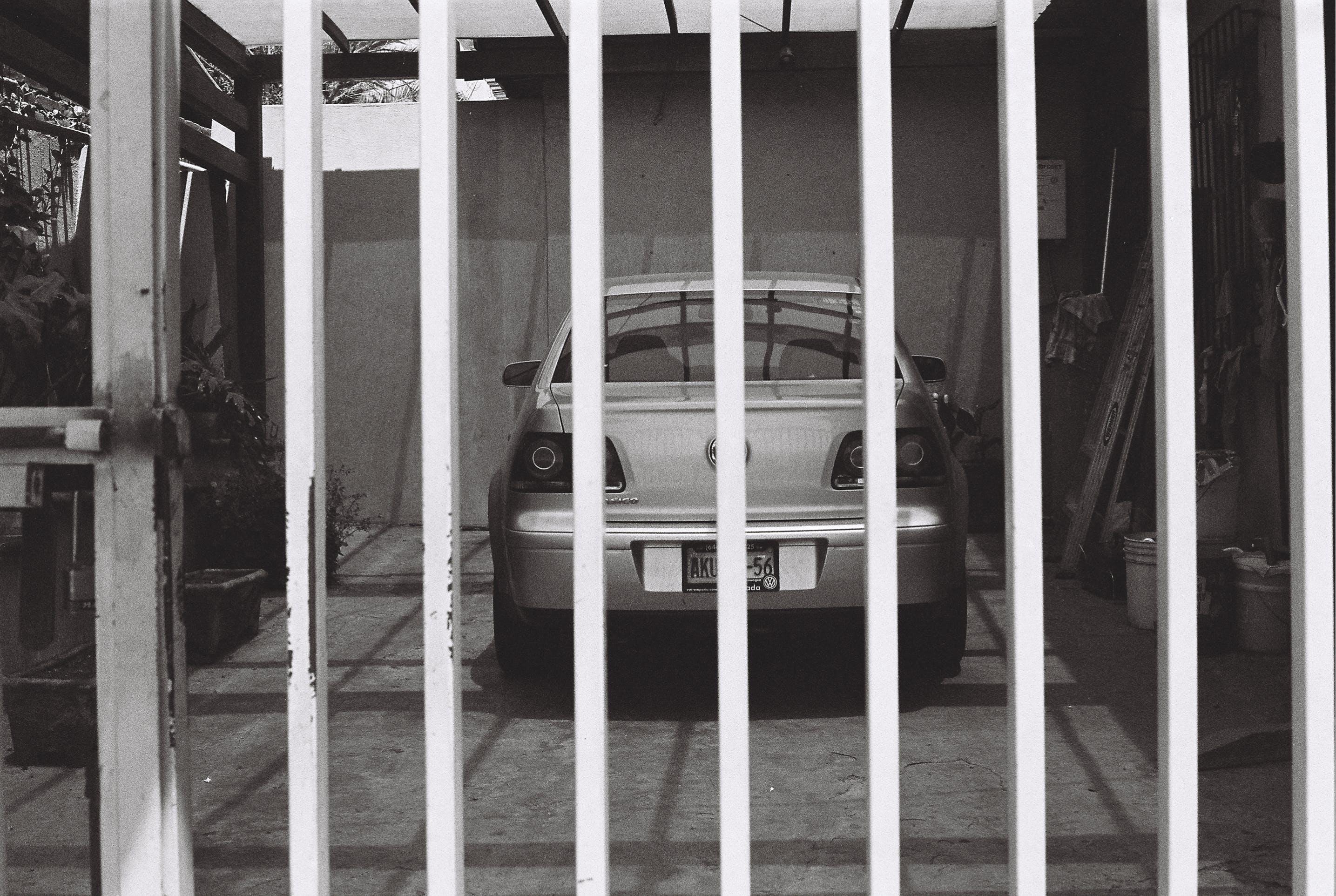 Gratis lagerfoto af autoværksted, bil, parkeret