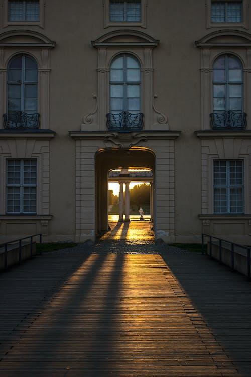 Windows, вечірнє сонце, замок