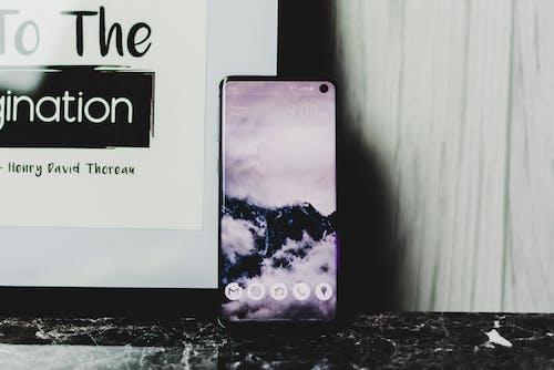 Бесплатное стоковое фото с смартфон, сотовый телефон, телефон