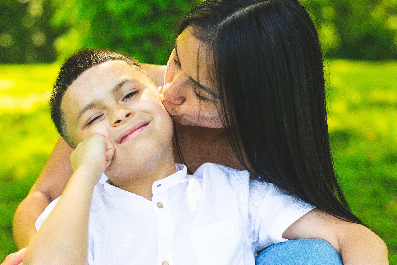 Gratis stockfoto met aanbiddelijk, affectie, kid, kind