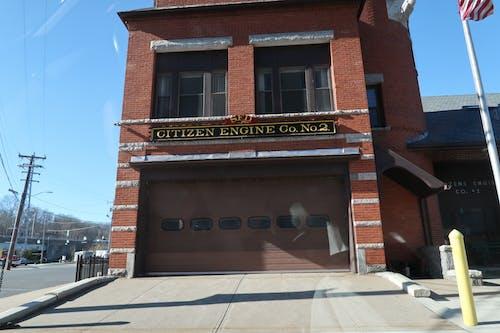 Základová fotografie zdarma na téma hasičská stříkačka, hasičský vůz, občanský motor, požární dům