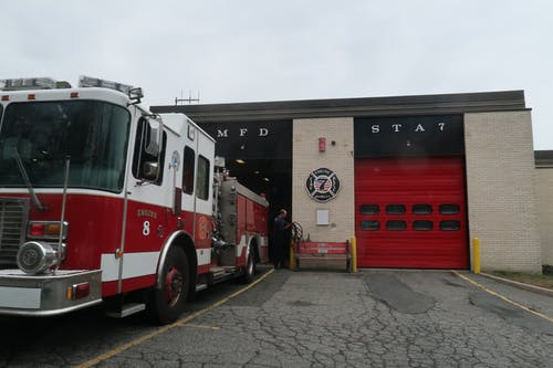 Základová fotografie zdarma na téma hasičská stříkačka, hasičský vůz, mfd, požární dům