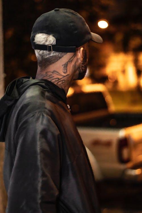 Δωρεάν στοκ φωτογραφιών με bokeh, tattoo, άνδρας, άνθρωπος