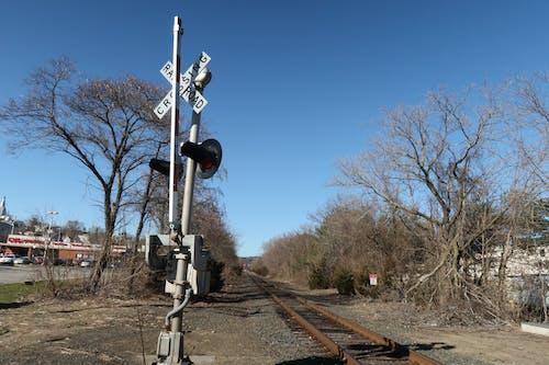 건너는, 열차 선로의 무료 스톡 사진