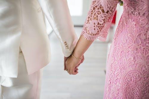 Ảnh lưu trữ miễn phí về cặp vợ chồng, đàn bà, Đàn ông, nắm tay