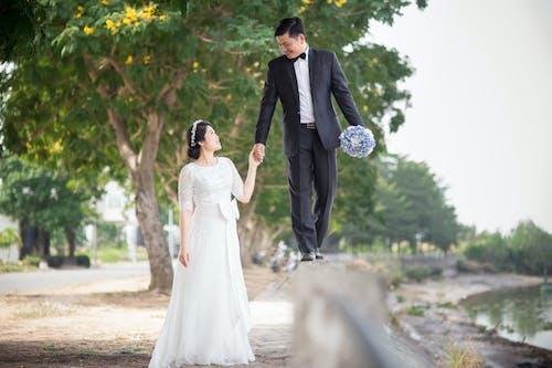 Безкоштовне стокове фото на тему «єднання, весілля, дорослий, квітковий букет»