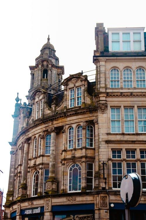 Foto d'estoc gratuïta de arquitectura, carrer, edifici, llums