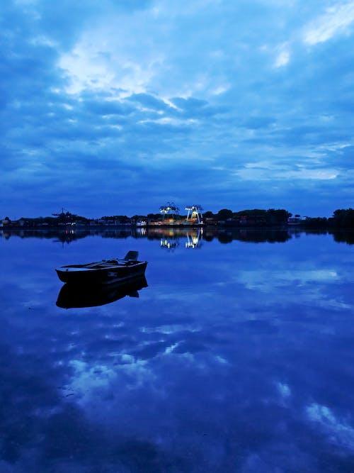 Imagine de stoc gratuită din albastru închis, apă albastră, apă curgătoare, cer albastru