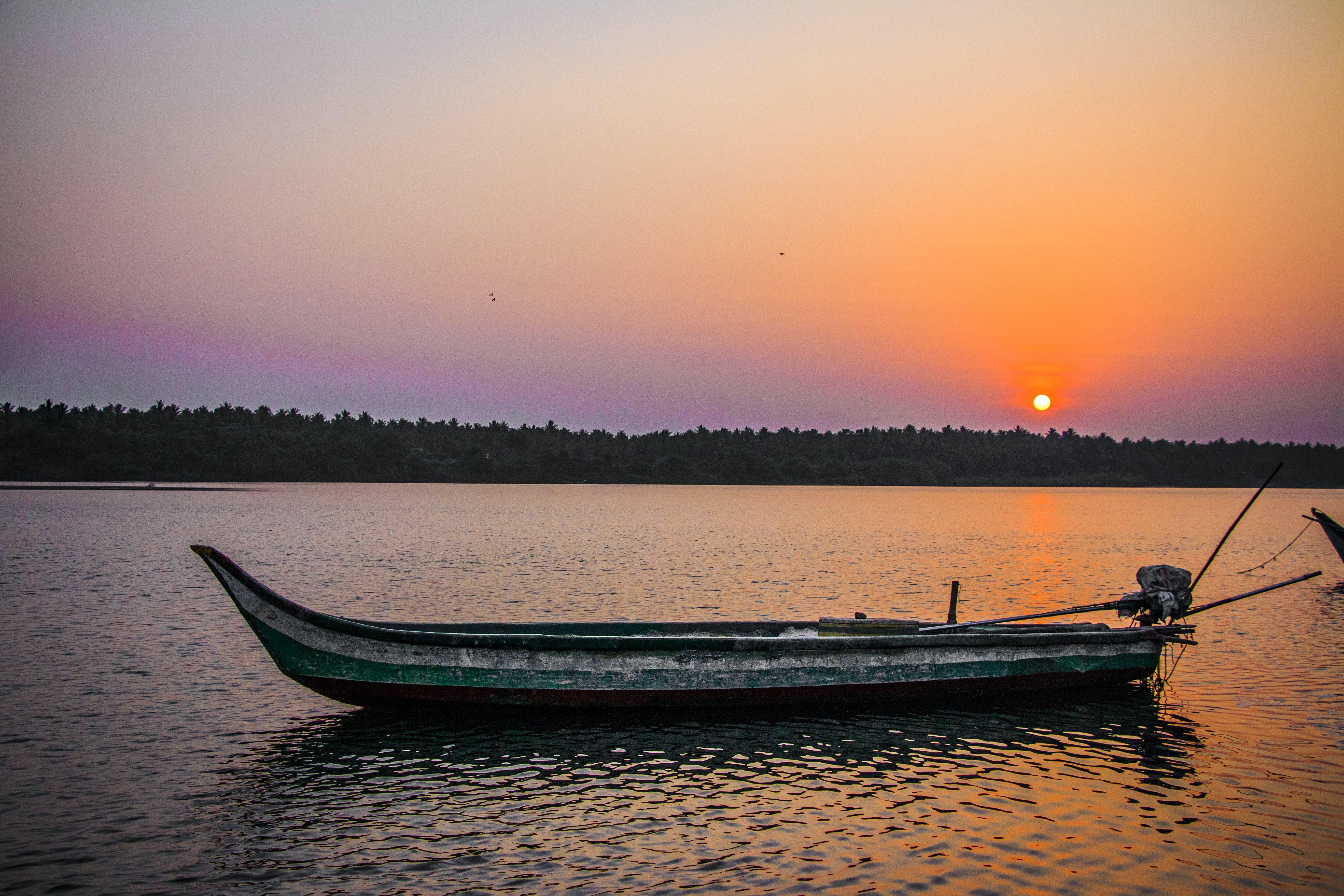 Δωρεάν στοκ φωτογραφιών με βάρκα, δύση του ηλίου, θάλασσα, Ινδία