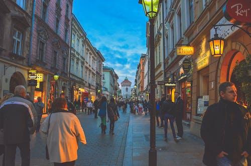Gratis lagerfoto af aktie, arkitektur, butikker, by