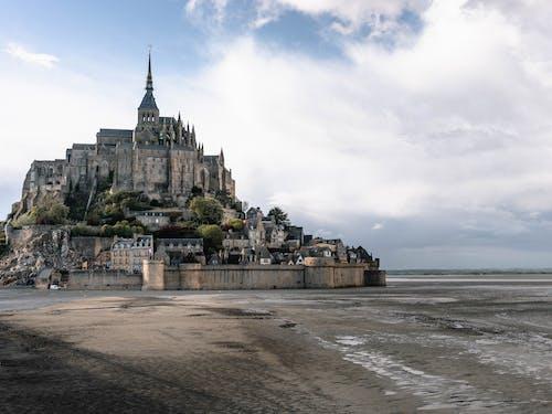 คลังภาพถ่ายฟรี ของ mont saint michel, ปราสาท, สถาปัตยกรรม