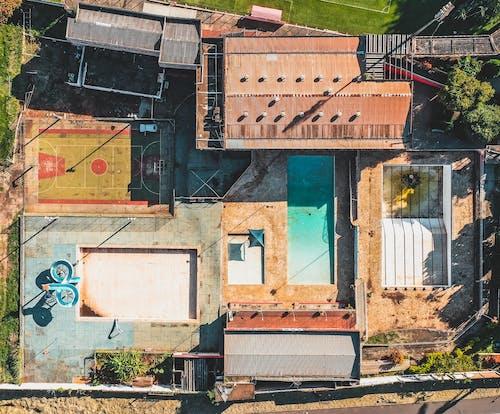 Foto d'estoc gratuïta de a l'aire lliure, abandonat, aeri, arquitectura