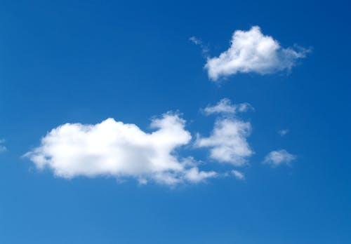 Gratis arkivbilde med bakgrunn, blå, blå himmel, dag