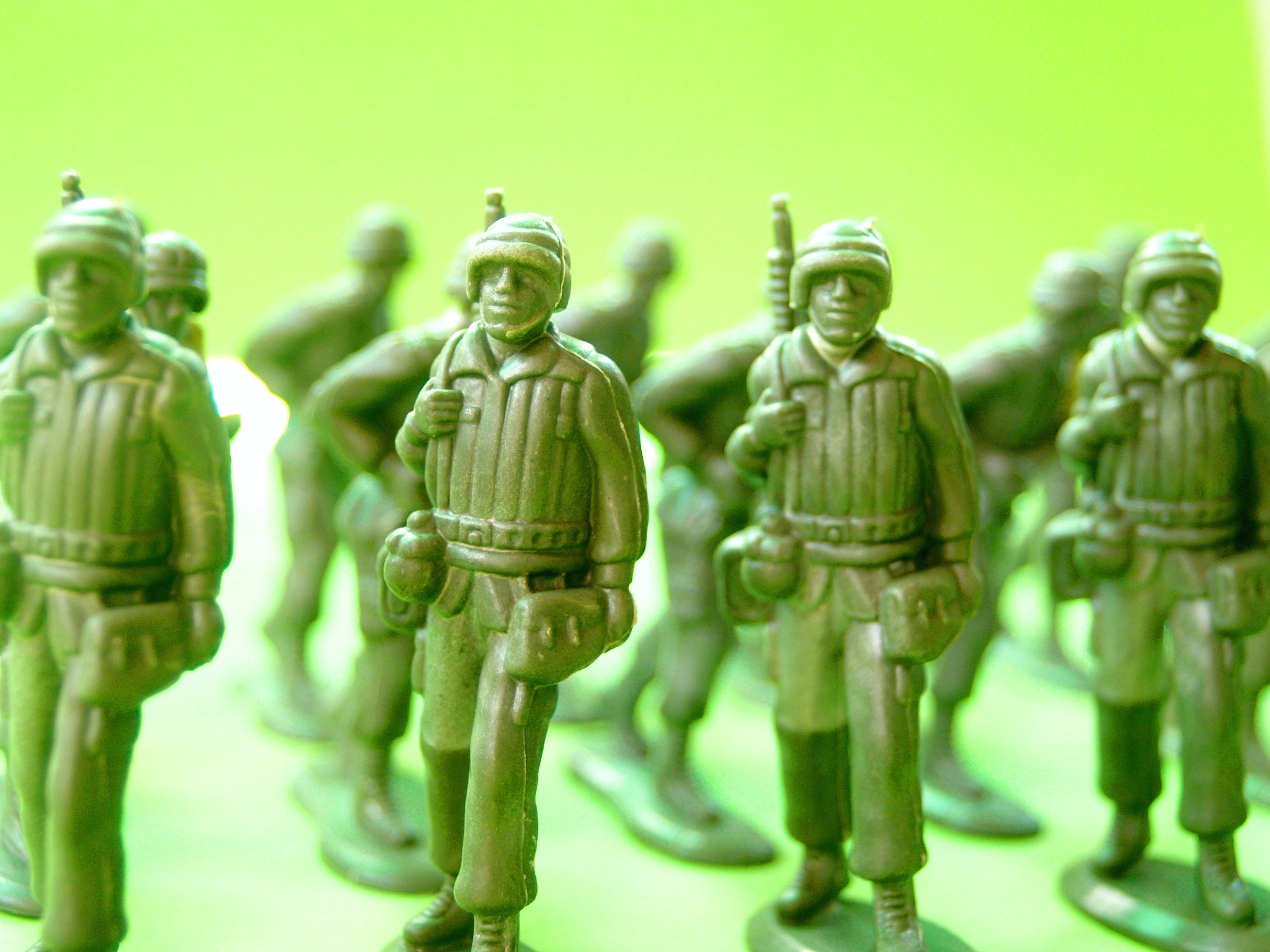 Marching Soldiers Plastic Figurines