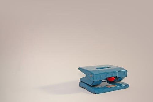 Kostenloses Stock Foto zu büro, doppel locher, homeoffice, vintage