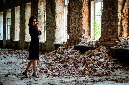 Foto profissional grátis de arrasado, construção abandonada, de pé, demolido