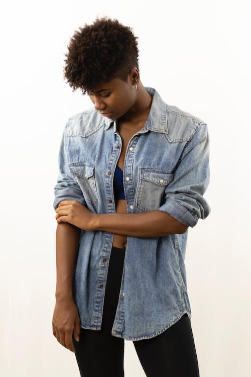 Δωρεάν στοκ φωτογραφιών με Αφρικανή, αφροαμερικάνα γυναίκα, γυναίκα, καθημερινό ντύσιμο