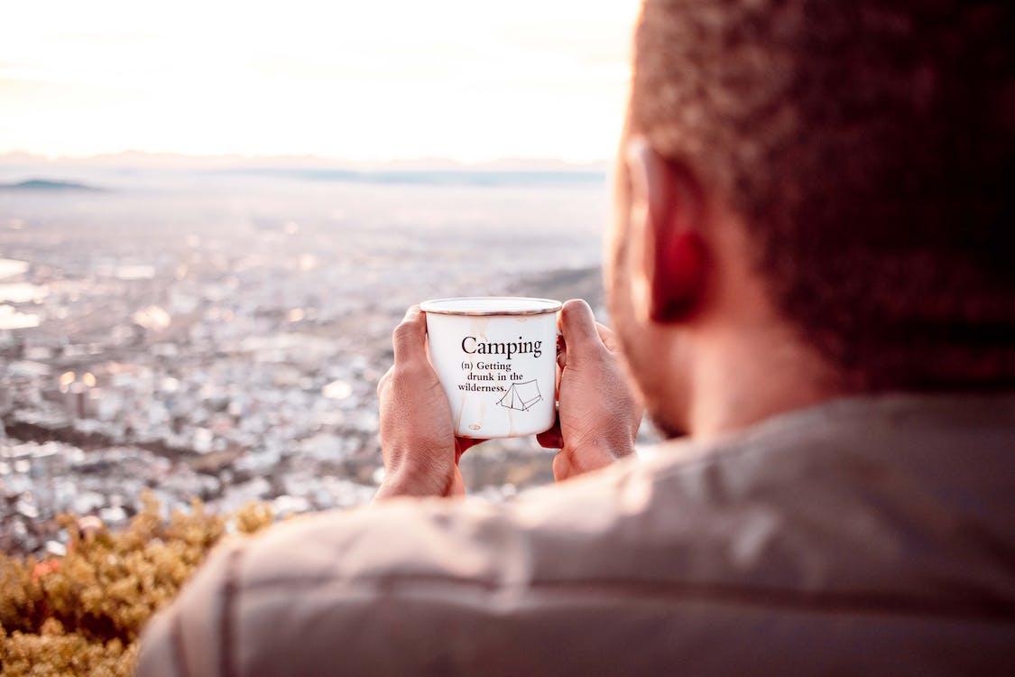 Kostnadsfri bild av avslappning, camping, dryck