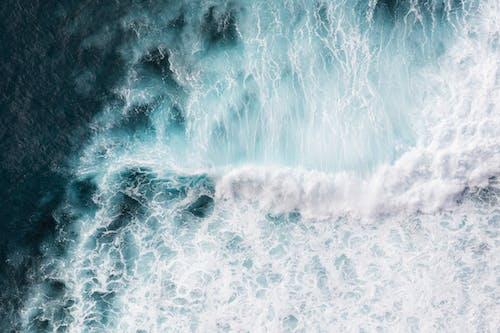 Gratis lagerfoto af bevægelse, blå hav, blåt vand, bølgebryder