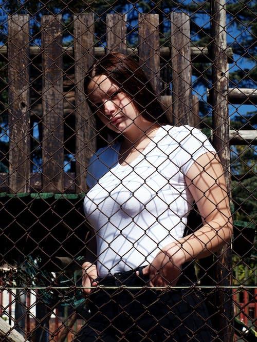 #outdoorchallenge, #pose, #公園, #女孩 的 免費圖庫相片