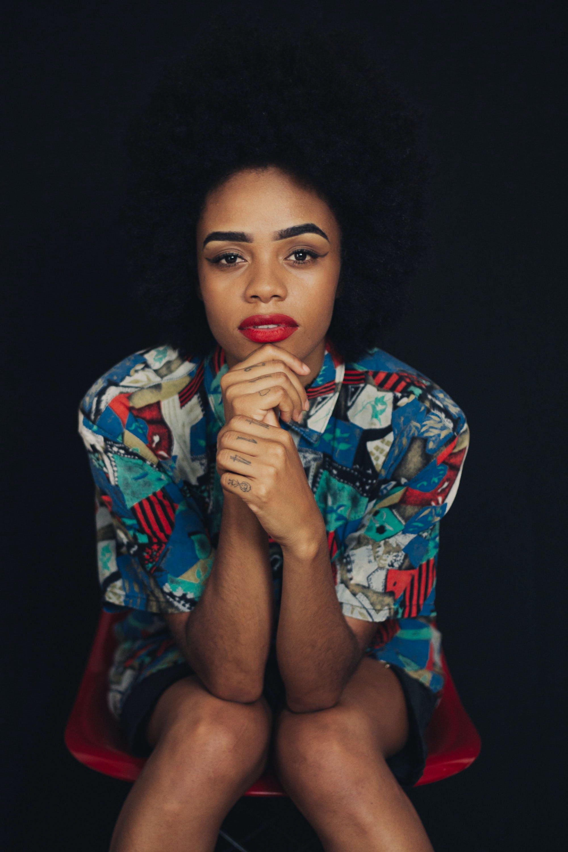 Kostenloses Stock Foto zu afroamerikaner-frau, farbige frau, fotoshooting, frau