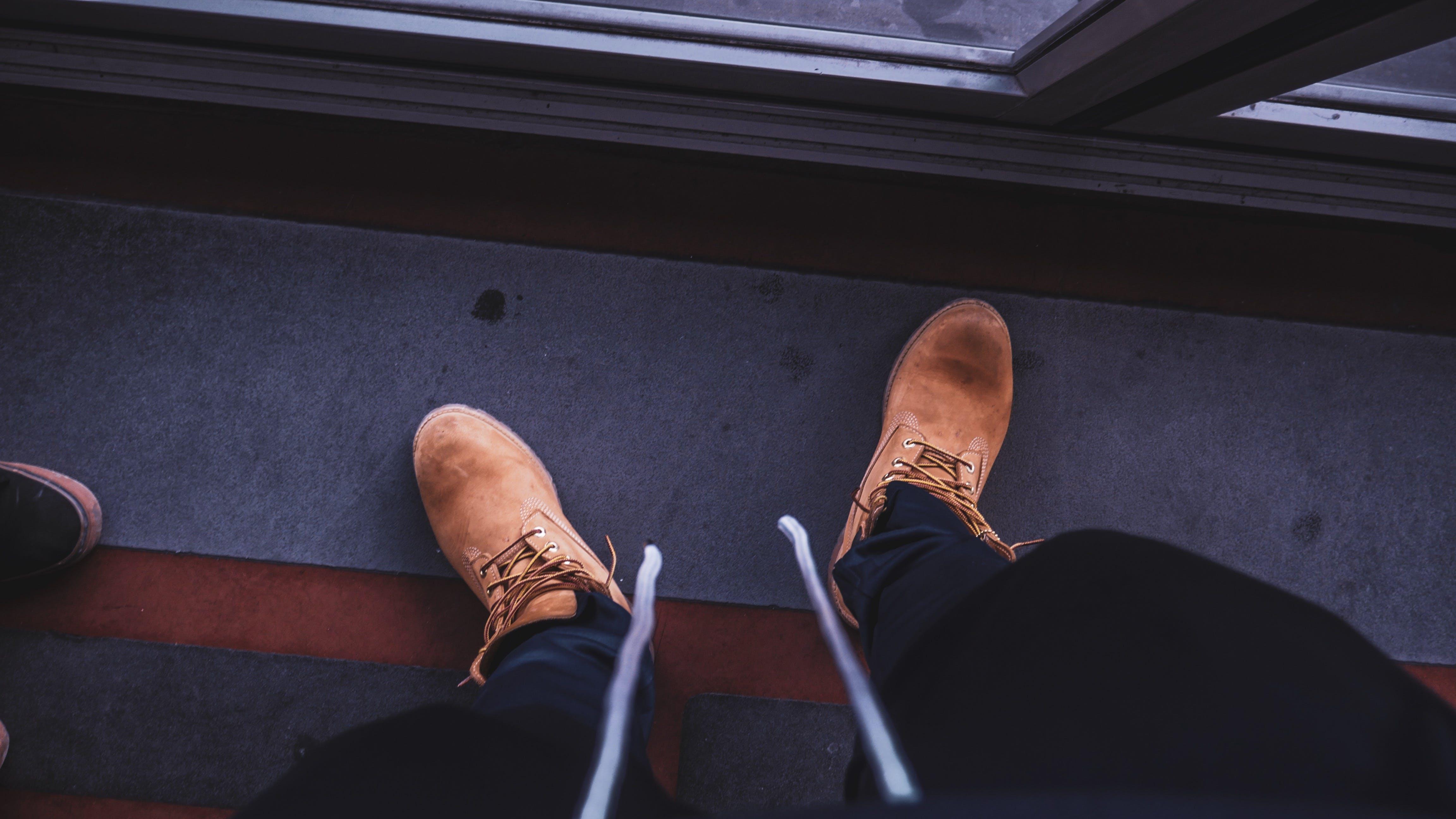 Ilmainen kuvapankkikuva tunnisteilla asu, bootsit, jalkineet, kengät