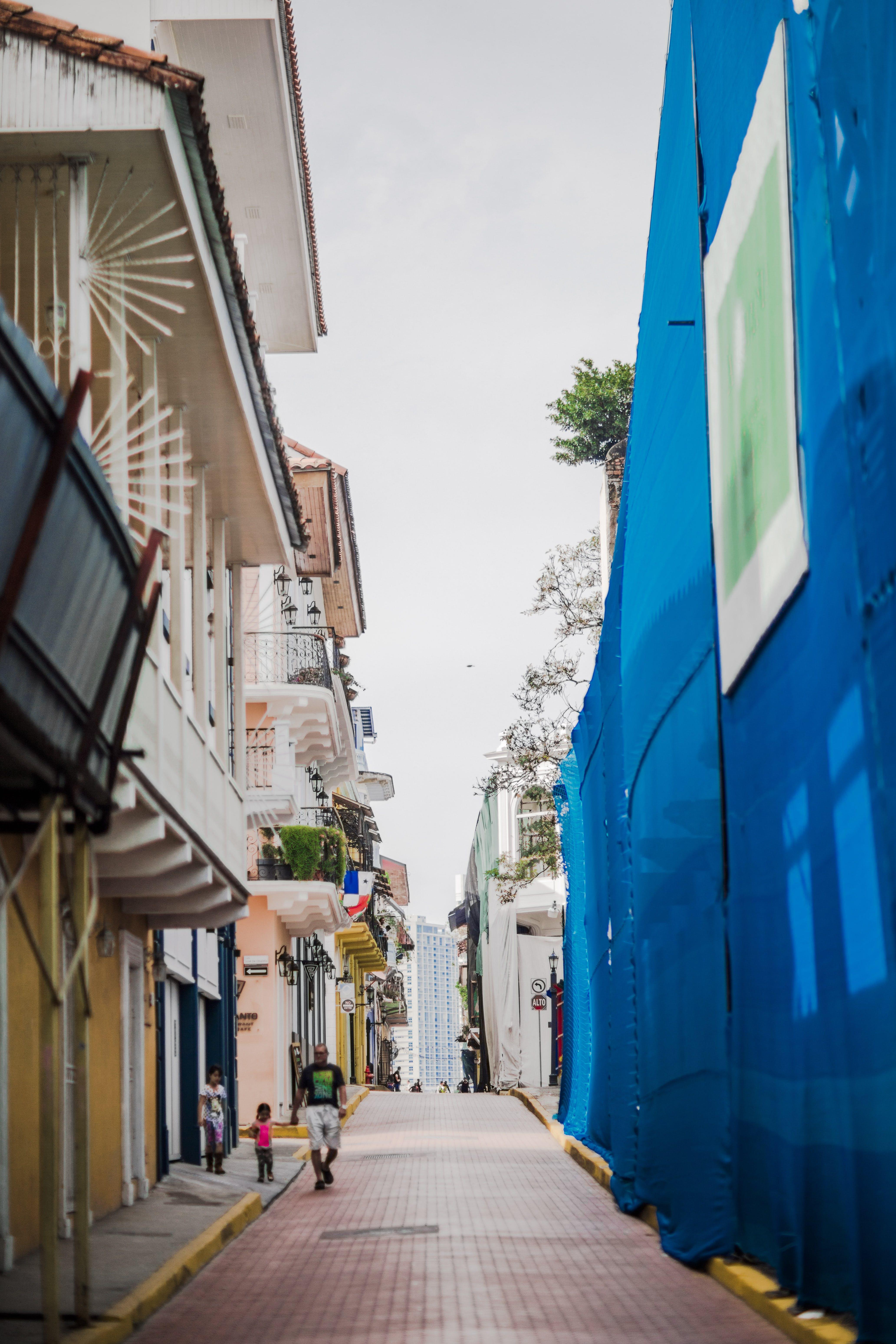 Foto stok gratis bangunan tua, bendera, casco viejo, komposisi fotografi
