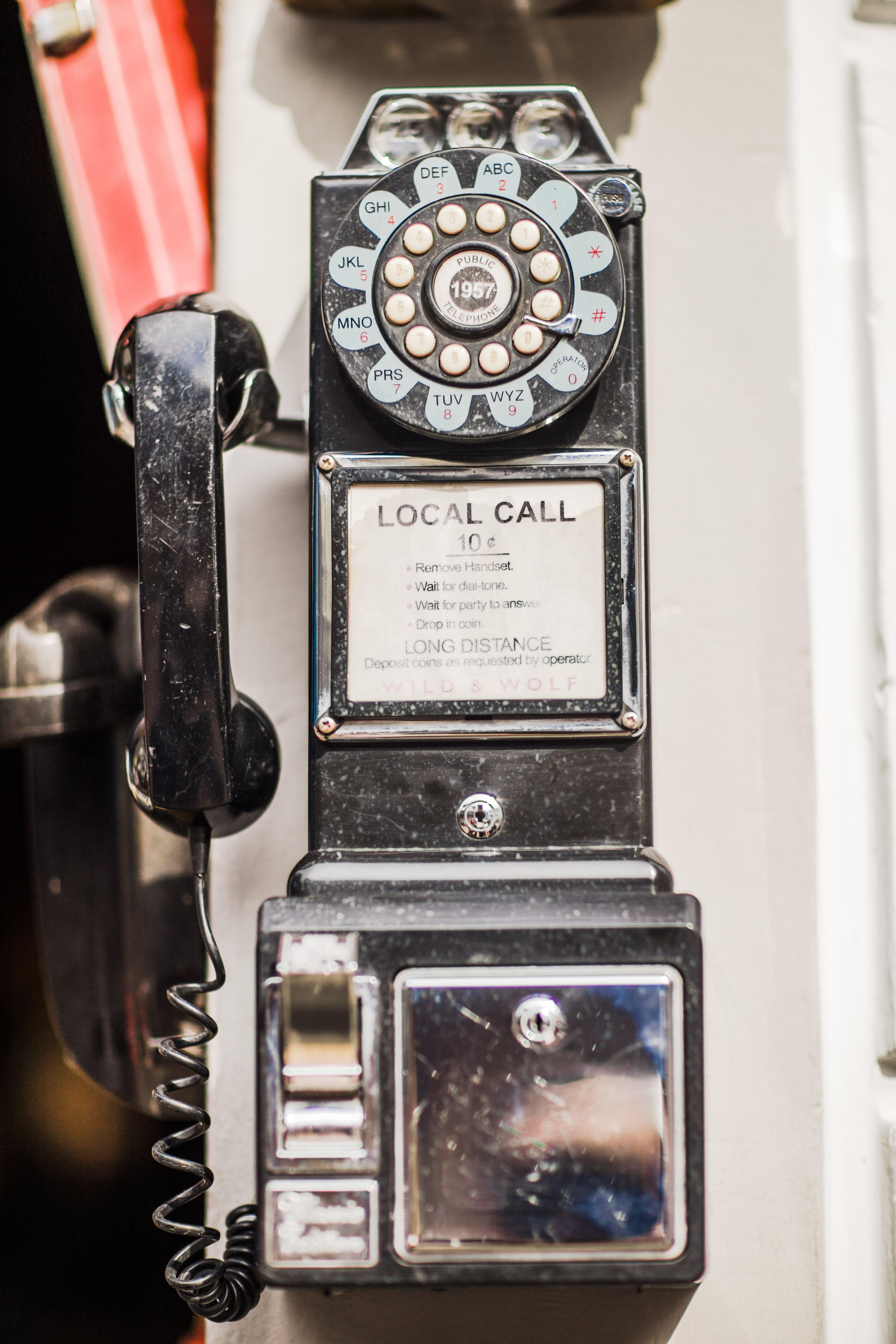Kostenloses Stock Foto zu älter, casco viejo, handytasche, telefonzelle