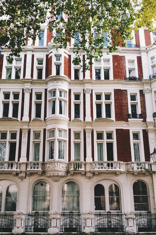 Ilmainen kuvapankkikuva tunnisteilla arkkitehtuuri, asunto, julkisivu, lähikuva