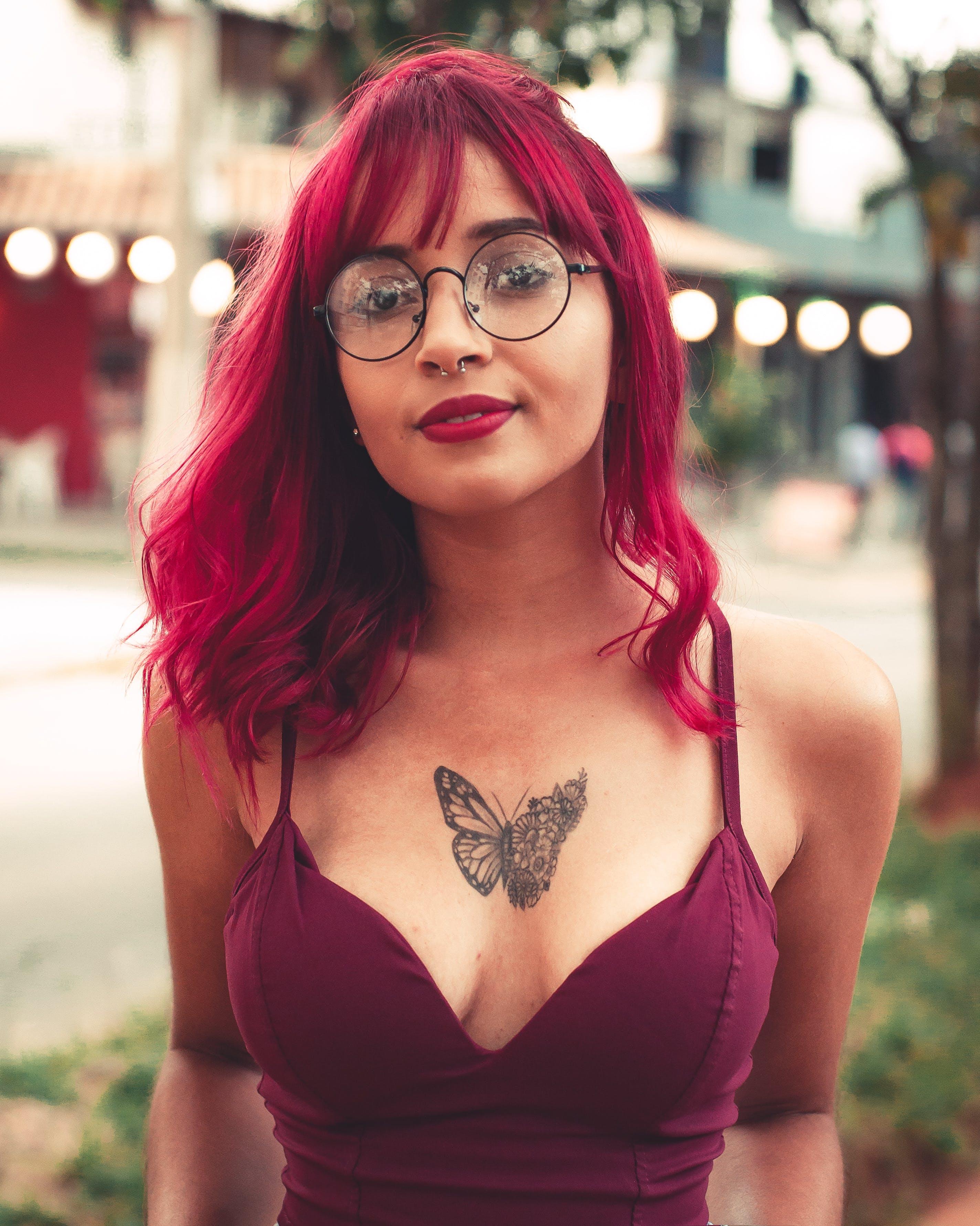 Fotobanka sbezplatnými fotkami na tému atraktívny, bikiny, červené pery, dáma