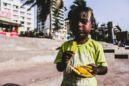 Foto d'estoc gratuïta de arquitectònic, beneficència, capvespre, carrer