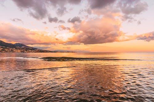 Immagine gratuita di acqua, alba, cielo, costa