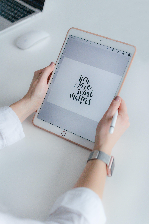 사과, 스크린, 아이패드, 인용구의 무료 스톡 사진