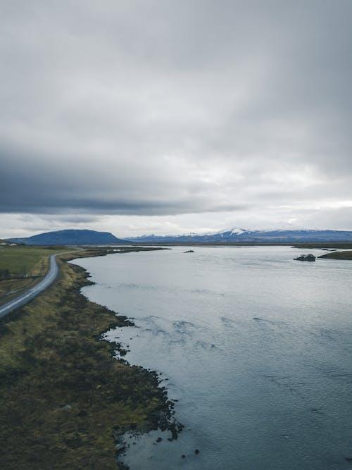 Darmowe zdjęcie z galerii z droga, góra, jezioro, krajobraz