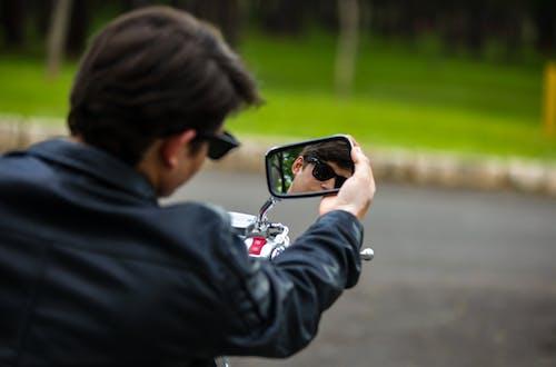 Gratis stockfoto met #jongen, #model, #motocicle, #rijden