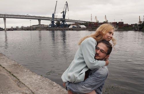 Δωρεάν στοκ φωτογραφιών με αγάπη, άνδρας, αποβάθρα, γέφυρα