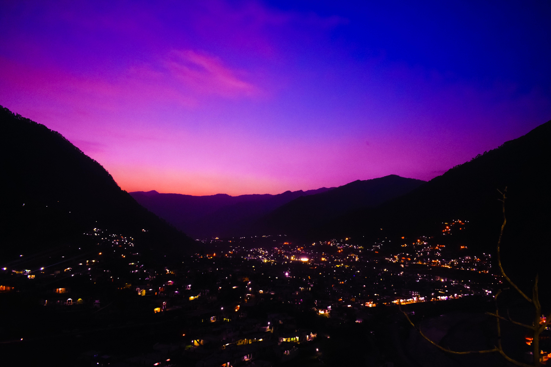 Základová fotografie zdarma na téma blesk, hory, město, městské osvětlení